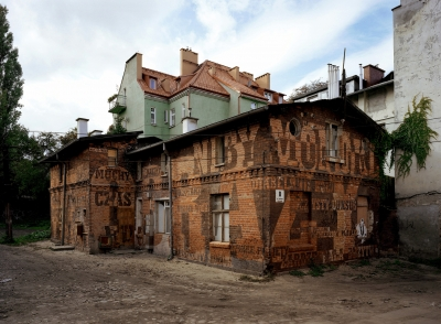 http://placeradical.org/files/gimgs/32_rear-house-1.jpg